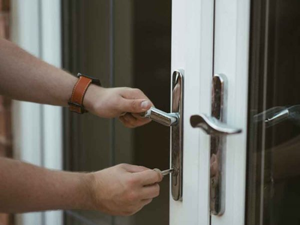 Commercial-locksmith-service-Chandler