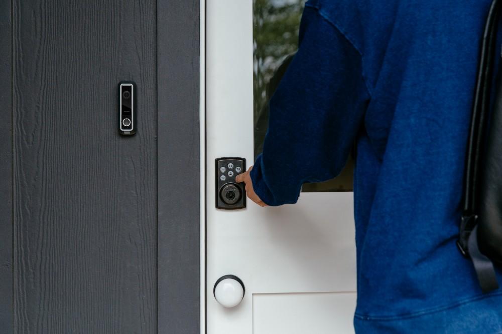 smart-lock-front-door